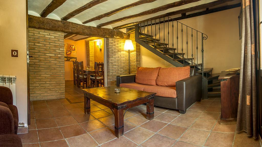 APARTAMENTOS LOS ALJEZARES Apartamentos Gea de Albarracín Sierra de Albarracín